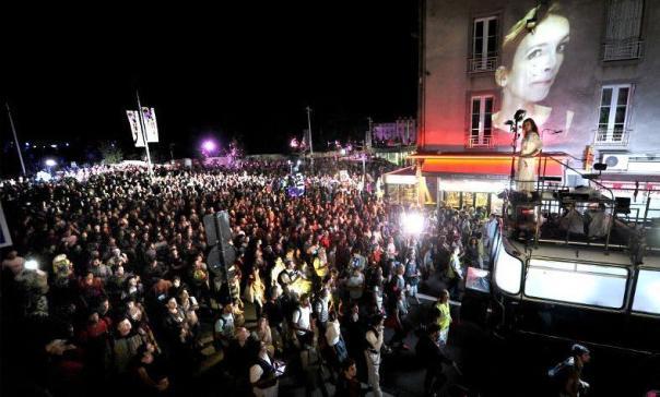 festival-de-theatre-de-rue-aurillac-eclat-komplexkapharna-m-_809408